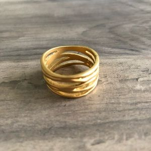 Accessories - Beautiful matte gold ring